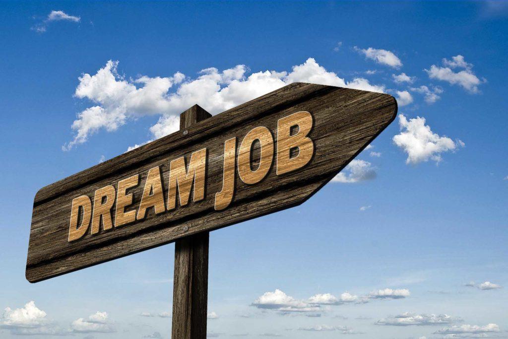 Jak znaleźć idealne zatrudnienie po studiach?